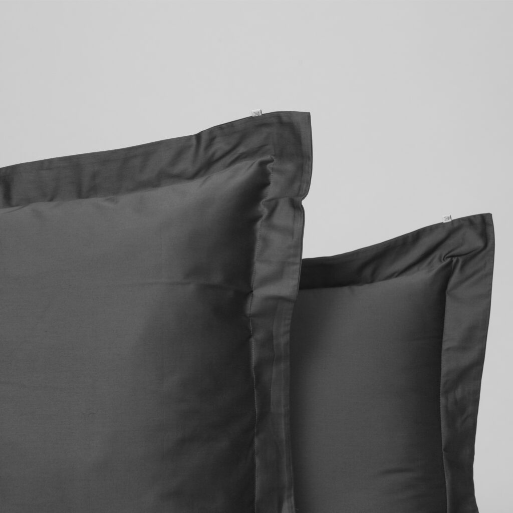 Cotton sateen oxford edge pillowcase anthracite 2