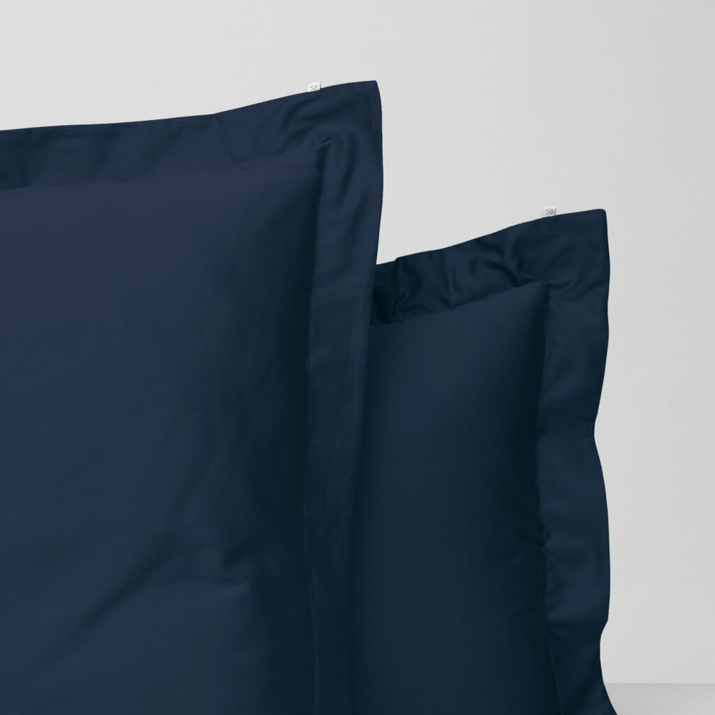 Cotton sateen oxford edge pillowcase midnight navy 2