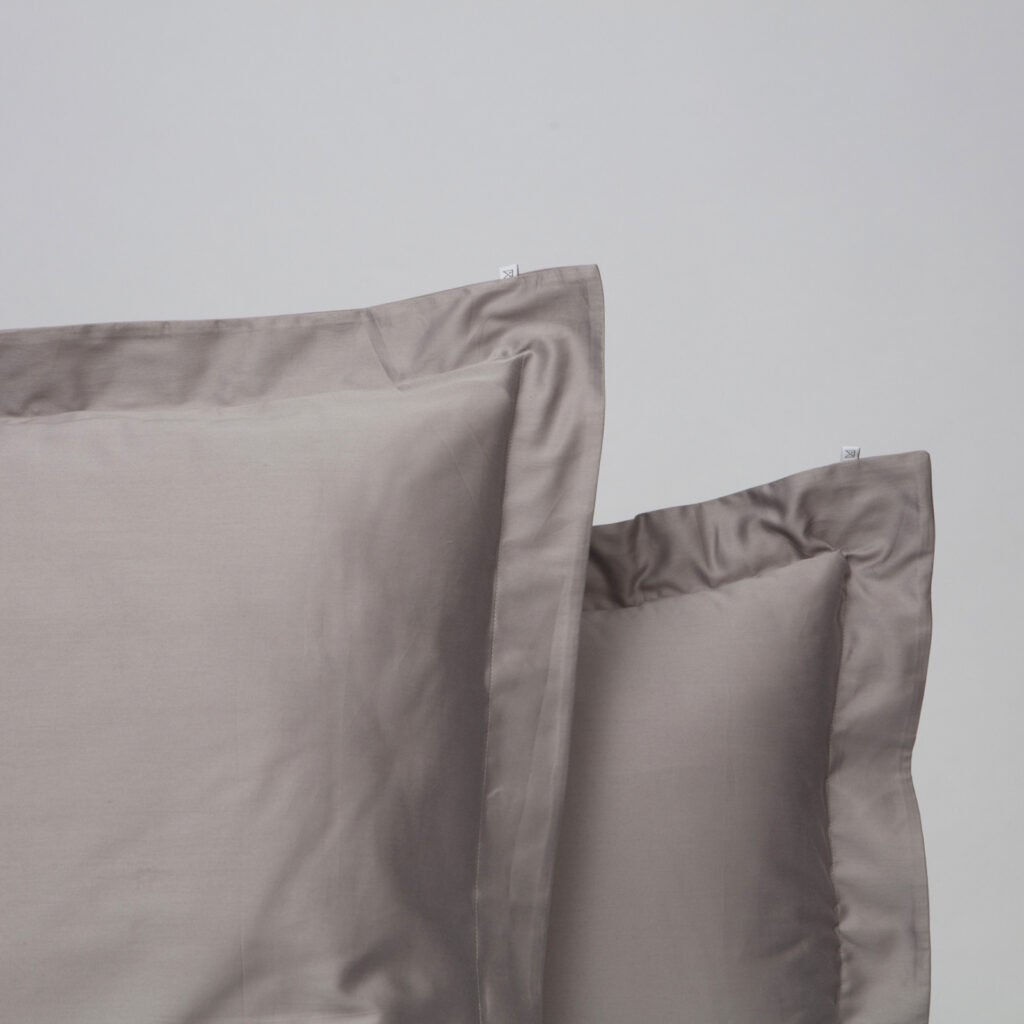 Cotton sateen oxford edge pillowcase stone grey 2