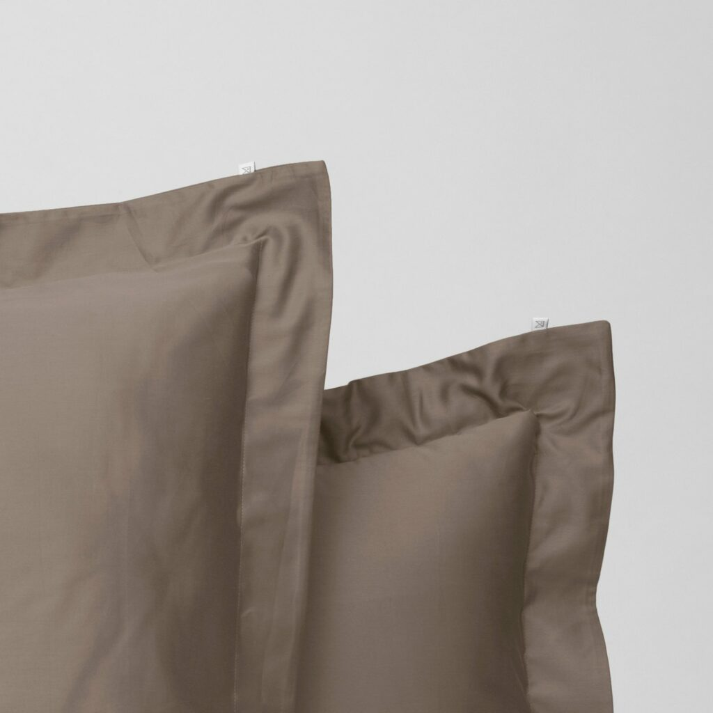 Cotton sateen oxford edge pillowcase taupe 2
