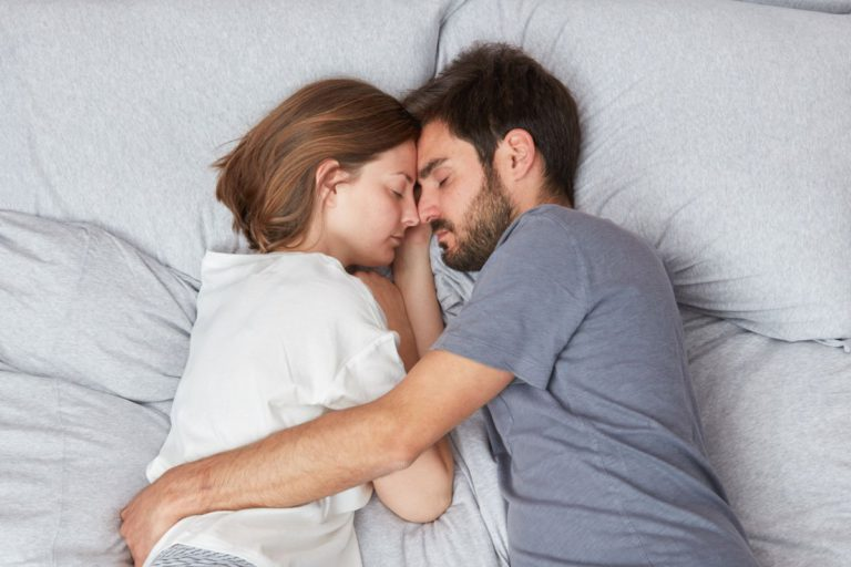 SLEEP TIPZZZ #5: What the positions say about you or your couple!
