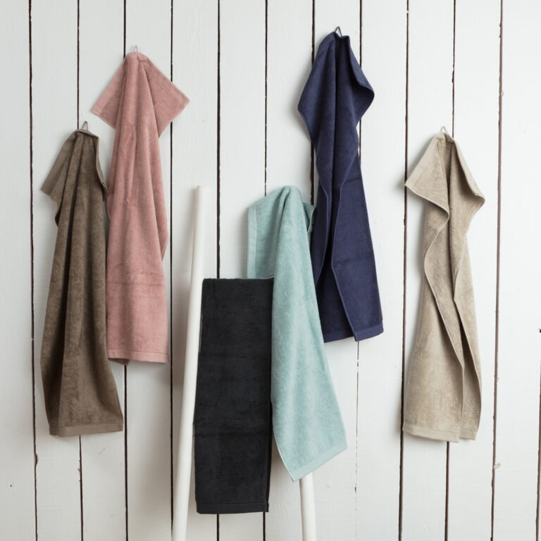 Luxury hand towel taupe 3