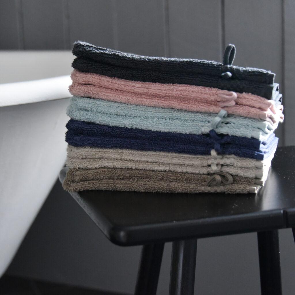 Luxury wash gloves taupe 1