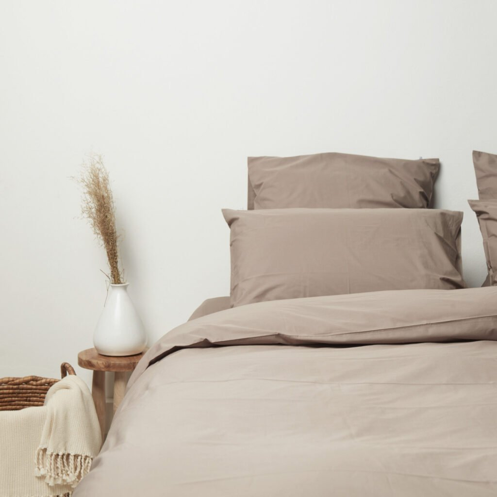 cotton-percale-bedroom-taupe-1